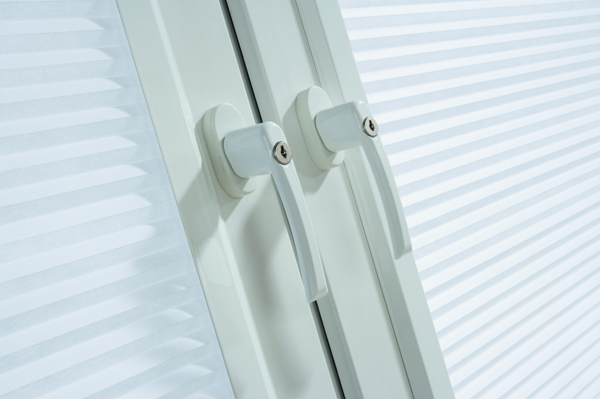 Blinds for tilt and turn upvc window