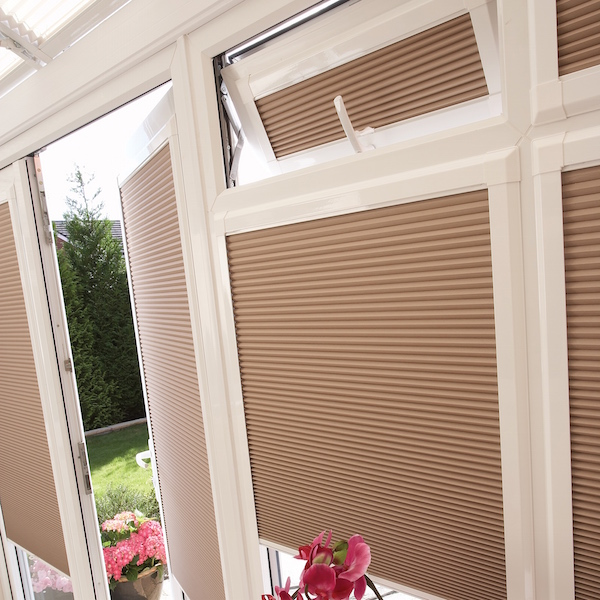 Tilt and turn blinds honeycomb blinds