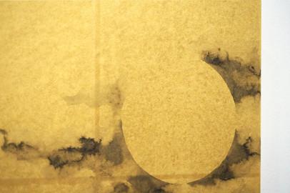 月に椿(細部)