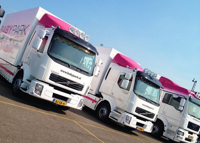 babypark vrachtwagens.jpg