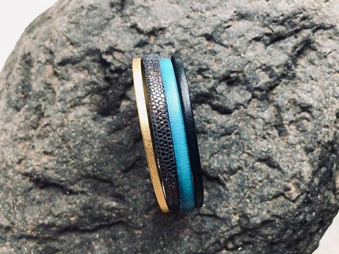l'hirondelle bleue- bijoux cuir- fait main- turquoise vif.jpg