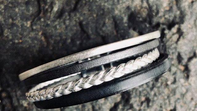 Bracelet cuir gris foncé