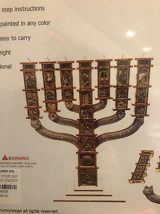 כנסת מנורה מעץ