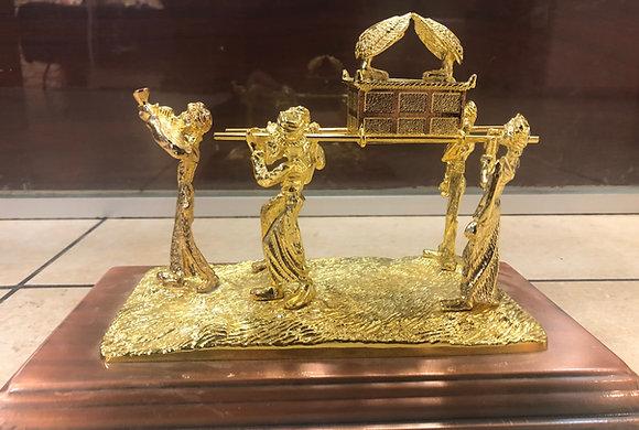 נושאי ארון הברית גדול זהב