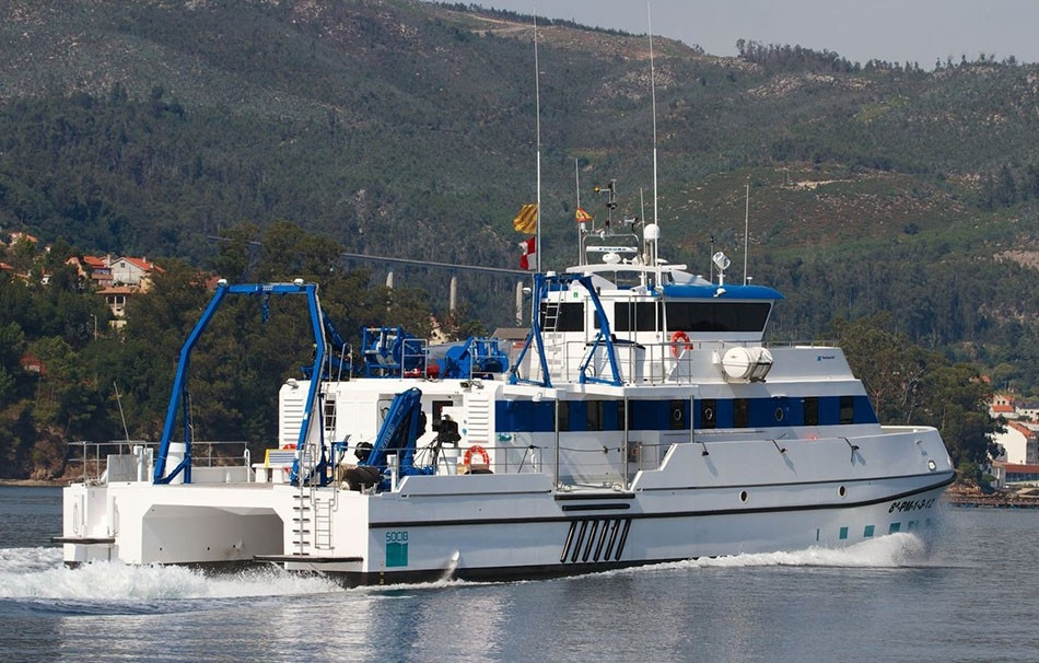 catamaranes-de-trabajo-rodman-82-6.jpg