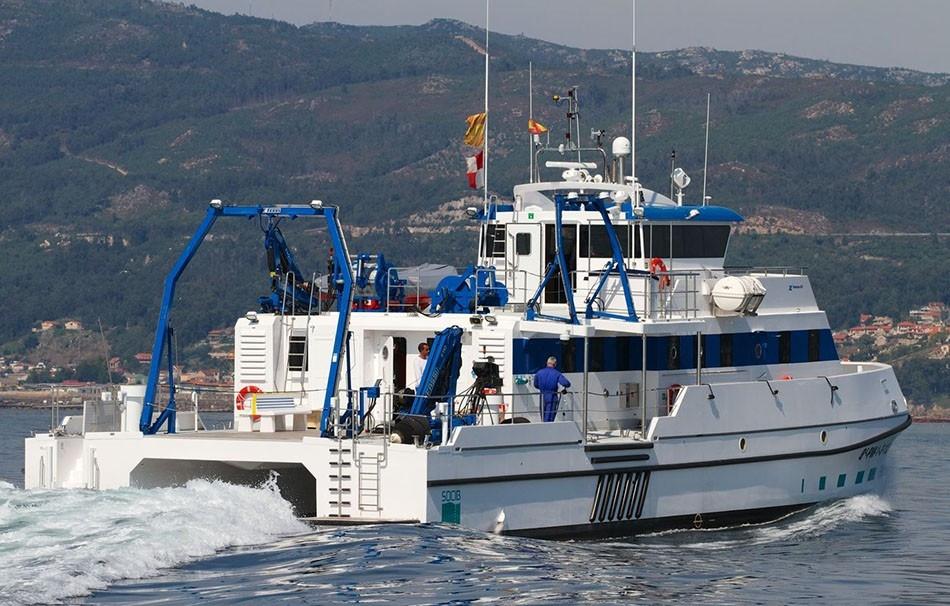 catamaranes-de-trabajo-rodman-82-5.jpg