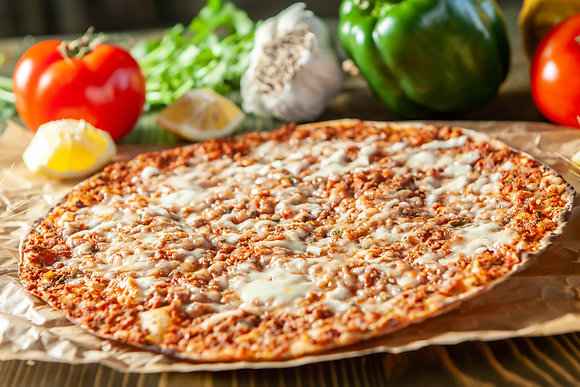 Ламаджо с говядиной и сыром (ресторан)