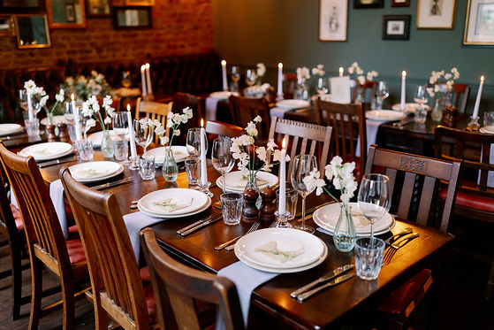 Wedding-Planner-London-Pub-Intimate-Wedding