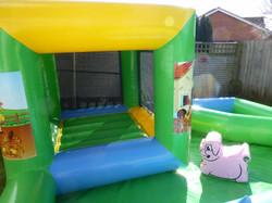 Farmyard Soft Play Bounce Barn