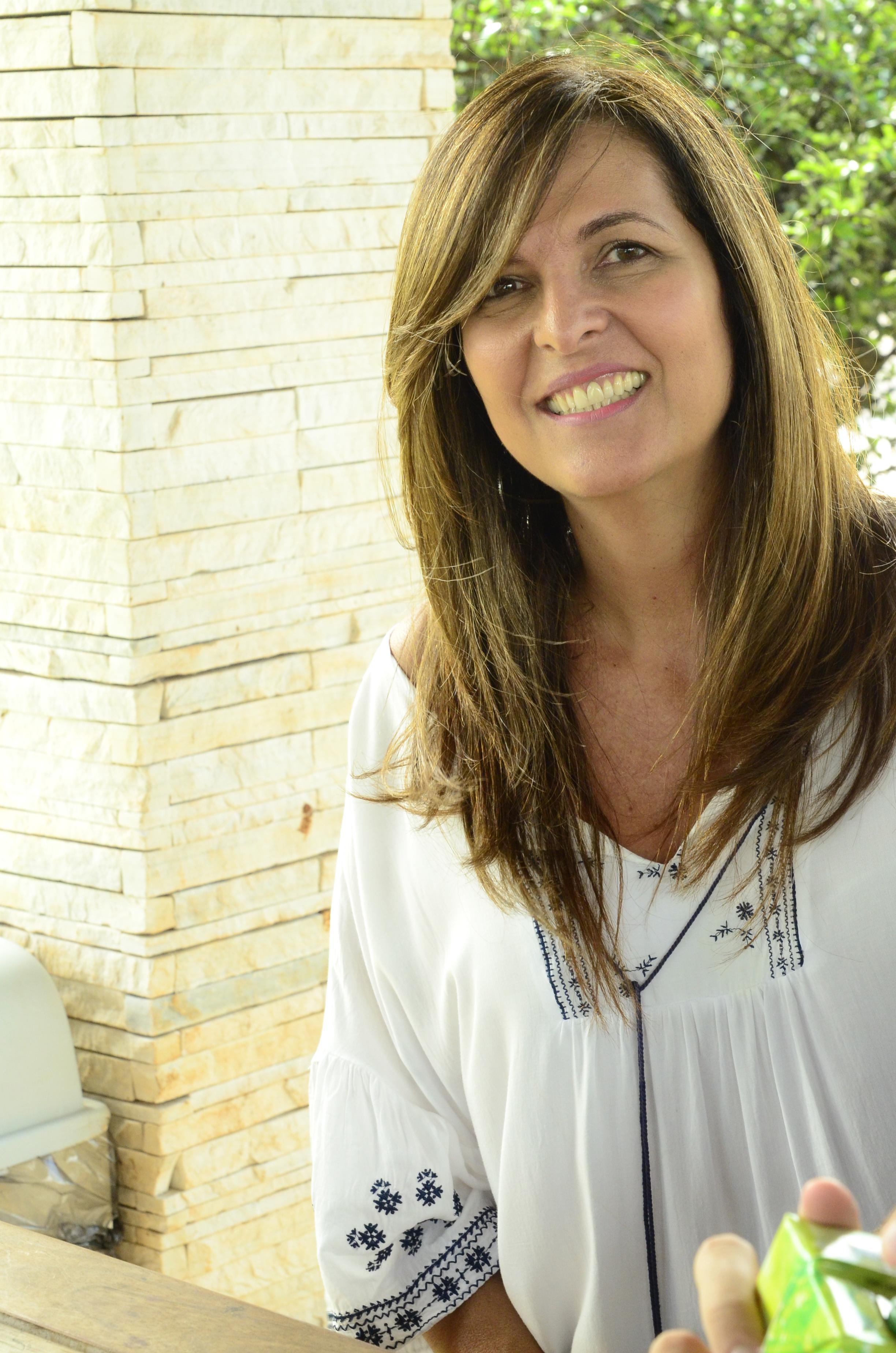 ELINE RATTACASO