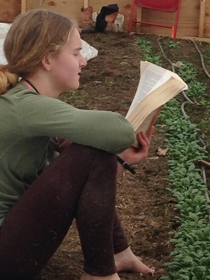 EdieReadingintheGreenhosue