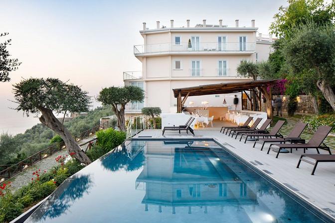 art-hotel-villa-fiorella.jpeg