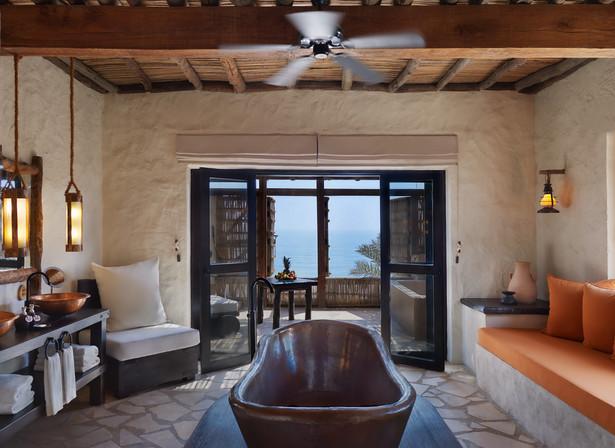 Four_Bedroom_Beachfront_Reserve_master_b