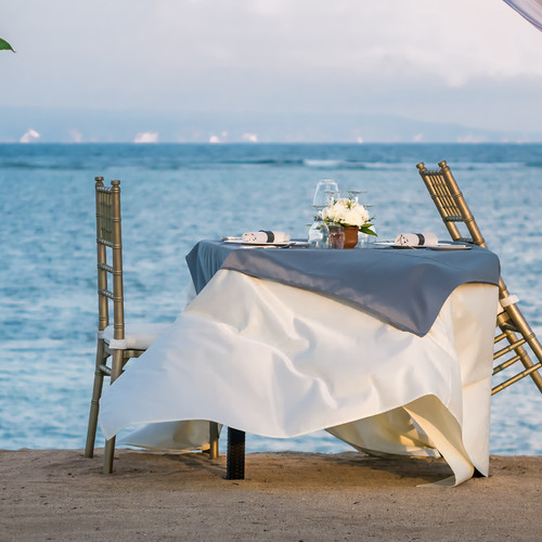 cafe-table-on-a-tropical-sandy-beach-wit