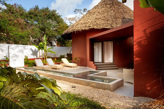 Jungel-villa-pool801.jpg