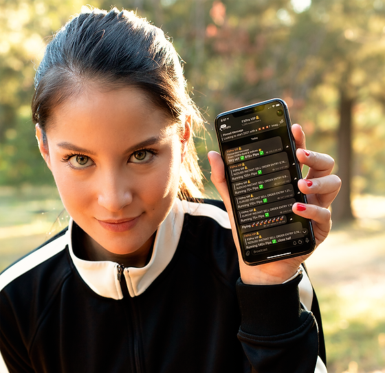iphone-xs-mockup-of-a-woman-wearing-active-wear-25977%20(1)_edited.png