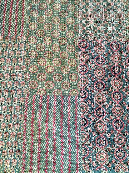 002 001 Indian Cotton patchwork Quilt Bedspread