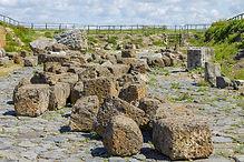 parco_archeologico_di_vulci_-_le_rovine.