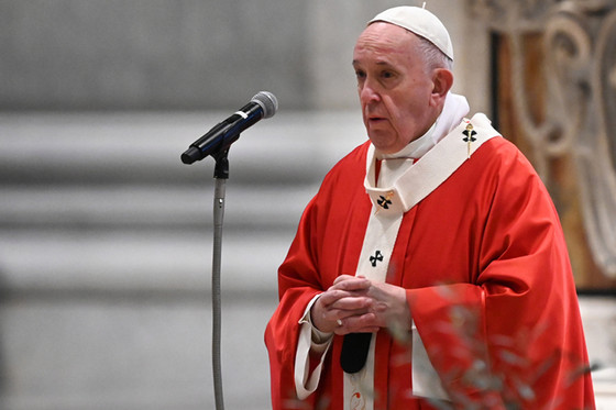 Pope sets up emergency fund to support missionary work