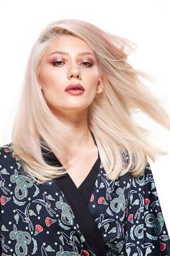 pop-salon-blondes-10jpg