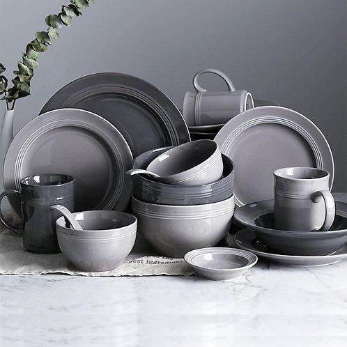24 Piece Ceramic Dinnerware Collection
