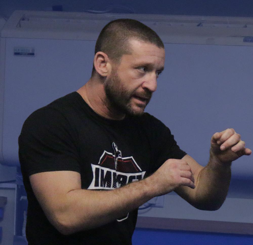 מאמן קרב מגע