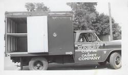 60'sCasketTruck1