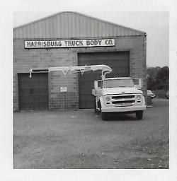60'sCraneTruck