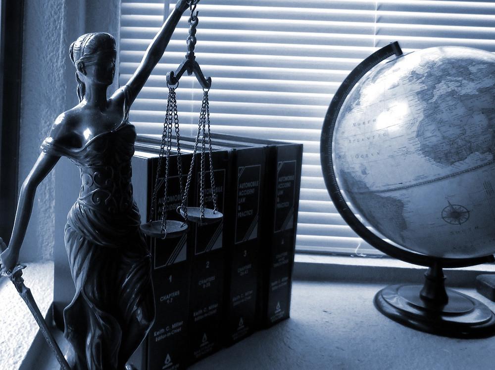 justice, cabinet d'avocat
