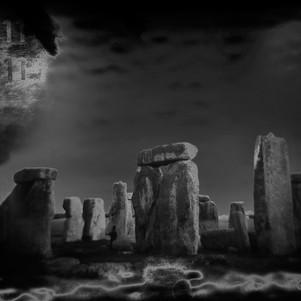 Stonehenge-B&W-2.jpg