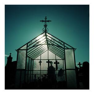 Grave_House_1.jpg