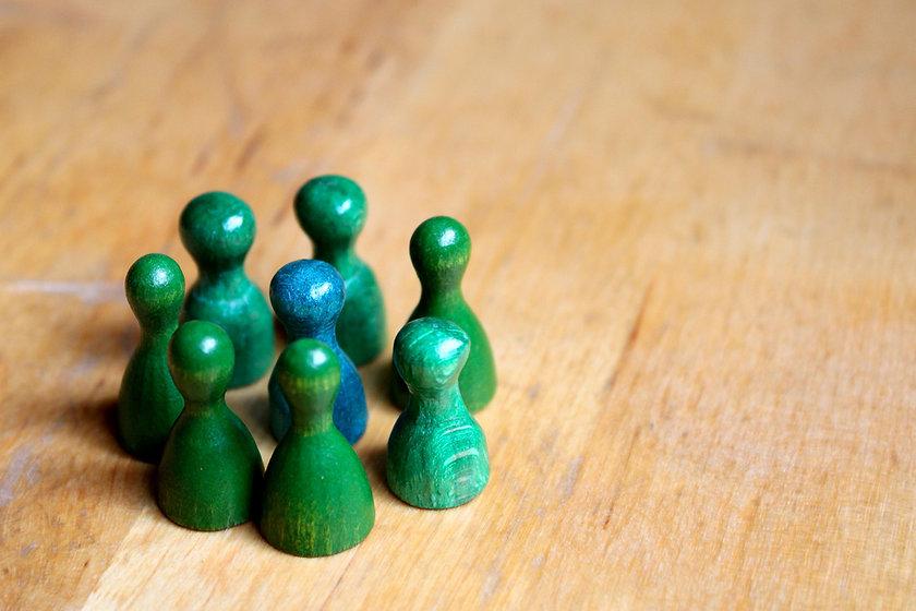 play-figures-4541739_1920.jpg