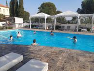 au village de Lafkos /  la piscine