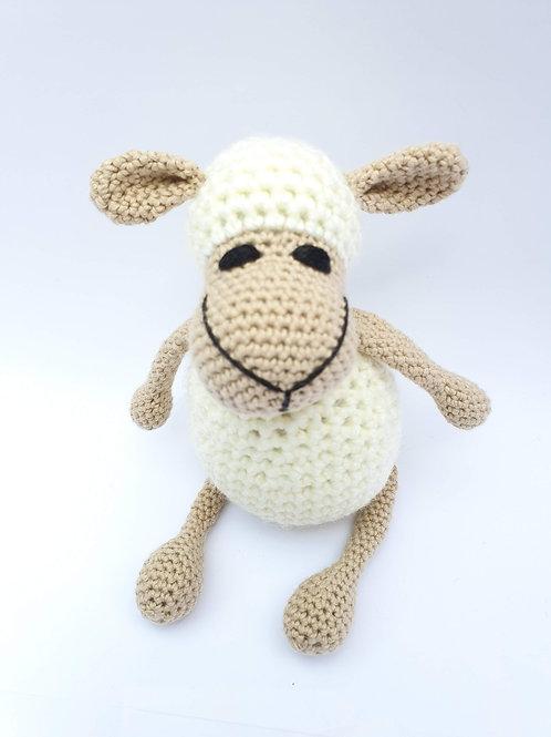 כבשה שמנת קטנה