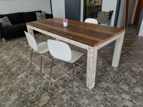 Heritage Traditional Dining Table