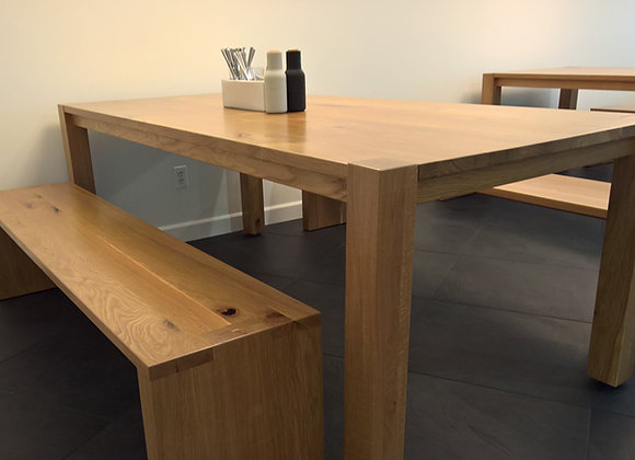 Heritage traditional  dining table with flush mount legs