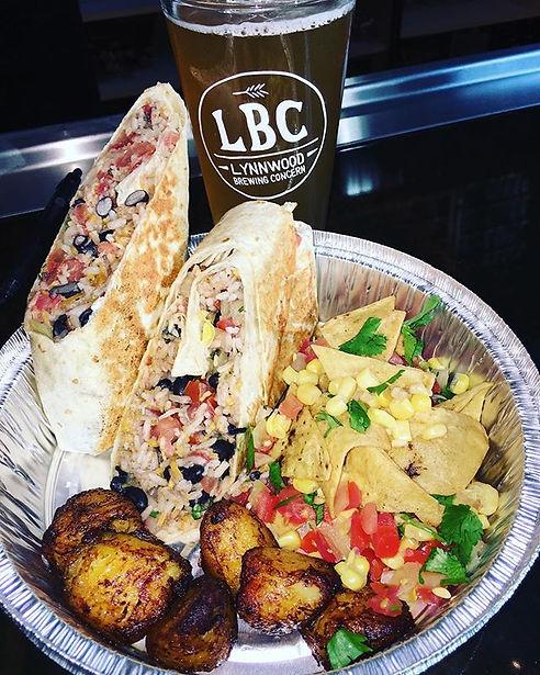 Veggie burrolicious 🌯, and it's delicious ! #veggie #vegeterian #vegetables #burrito