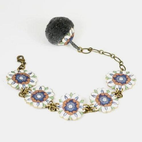 """Bracelet """"White Flower"""""""