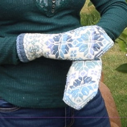 Norwegian Mittens (blue and white)