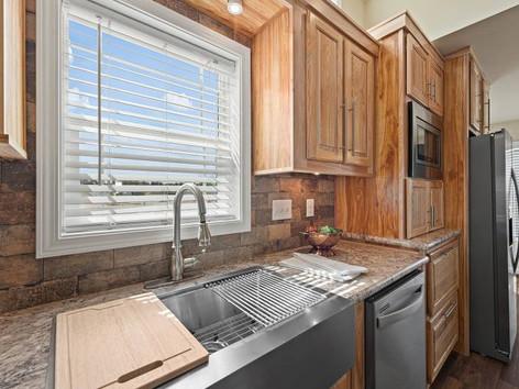 Mount-Evans-Kitchen-5.jpg