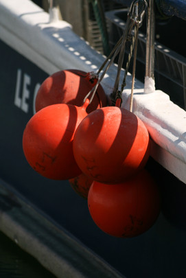 Bouées rouges (red buoys)