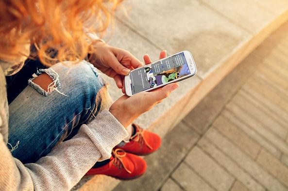 HandPhone03.jpg