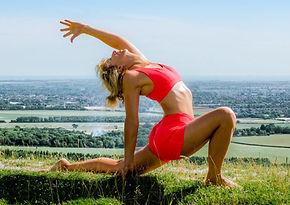 debs yoga escolta alta.JPG