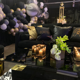 Luxe Black Lounge
