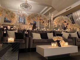 Luxe Argyle Lounge