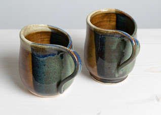 Cut edge right handed mugs