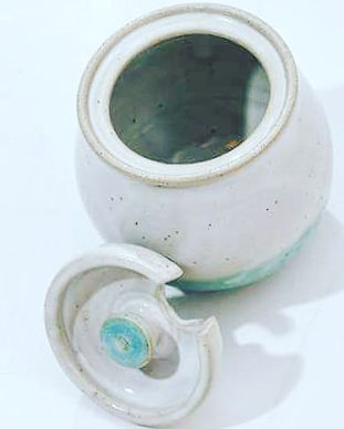 #honeypot #imadeit #pottery _maycocolors