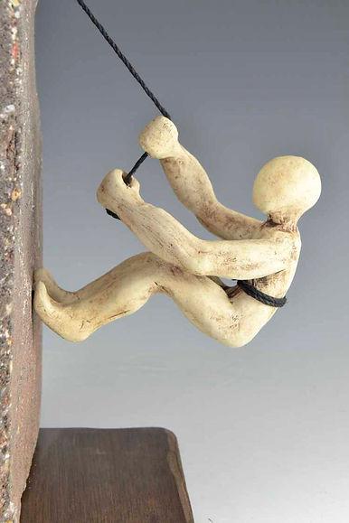 ceramica figura.jpg