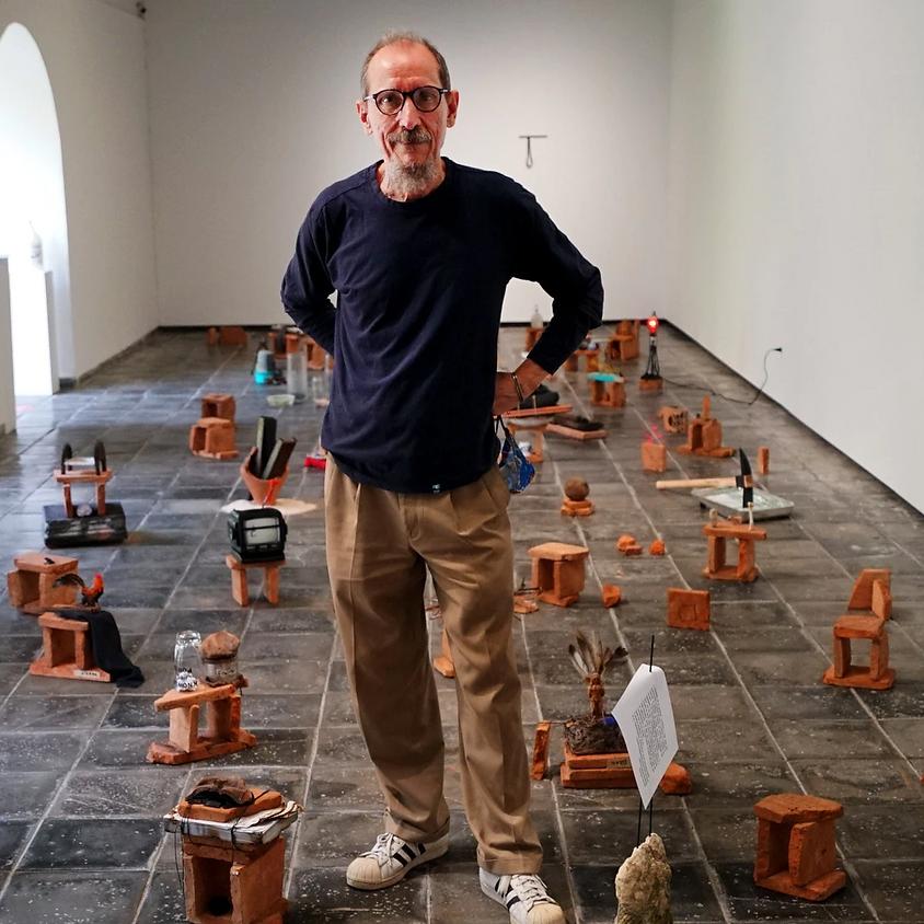 'Ciudad sobre ruinas' de Víctor Vázquez