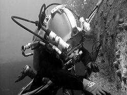 commercial-diver-1_edited.jpg